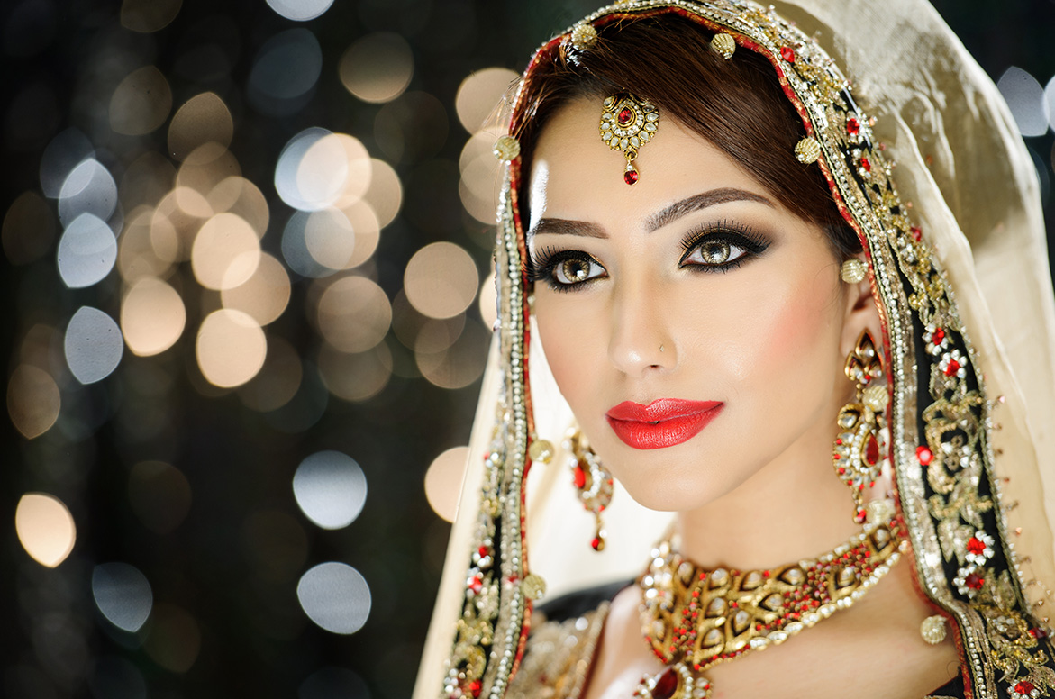 Gujarati Wedding Makeup - Satish Kargutkar