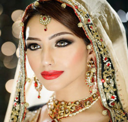 Gujarati Wedding Makeup - Satish Kargutkar crop