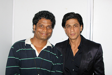Satish Kargutkar with Shah Rukh Khan